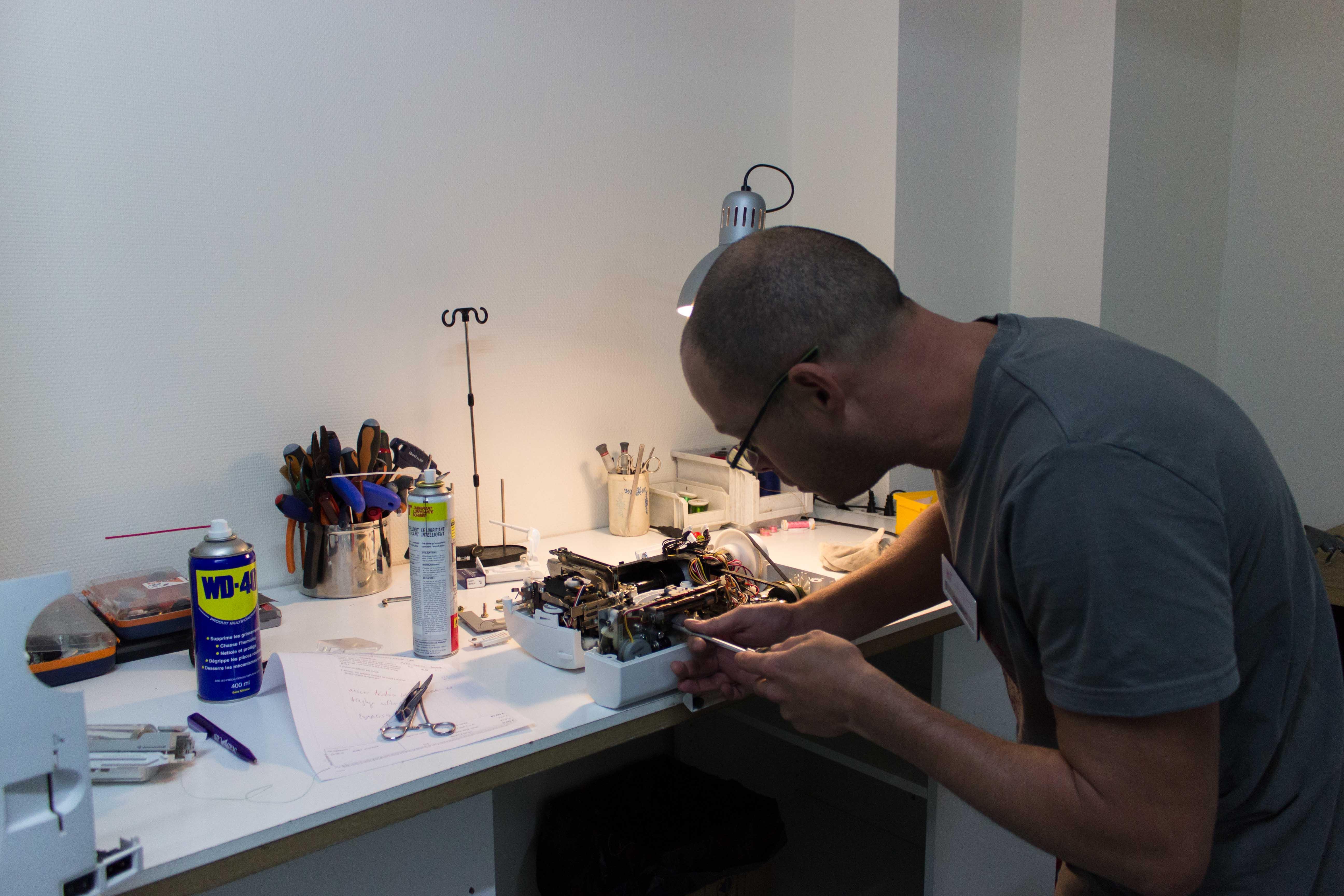 révision et réparation machine à coudre, surjeteuse et machine à broder